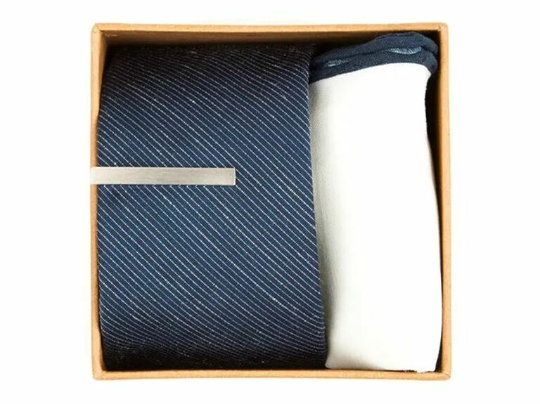 blue and white tie set