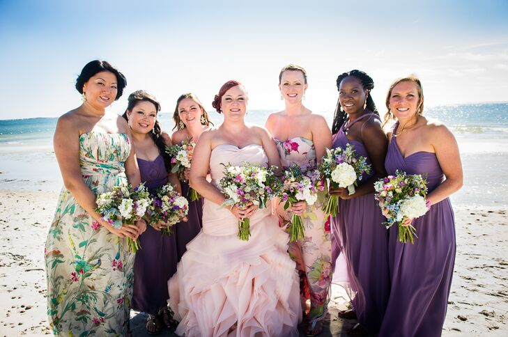 Kara wore a blush Vera Wang White gown, while her bridesmaids wore matching purple gowns. The maids of honor wore floral gowns.