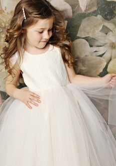 FATTIEPIE Fluttersleeve Flower Girl Dress