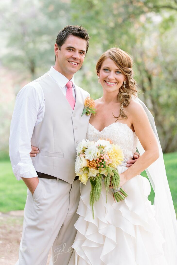 Jennifer and Jason exchanged vows surrounded by breathtaking scenery at the Van Dickson Ranch in Skull Valley, AZ. The couple incorporated ornate chan