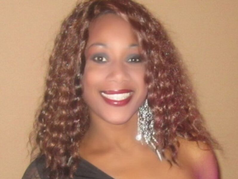 Villette Holmes - R&B Singer - West Palm Beach, FL