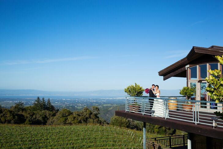 The reception overlooked the lovely vineyard and vast rows of grapevines at Thomas Fogarty Winery.