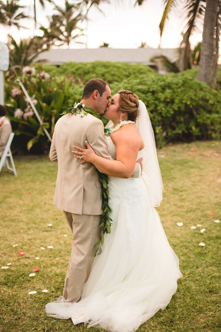 Veronica and Tim shared their first dance outside at his family beach house in Oahu, Hawaii. They had visited the estate in the past, and once Veronica and Tim got engaged, they knew the property suited their beach-themed vision.