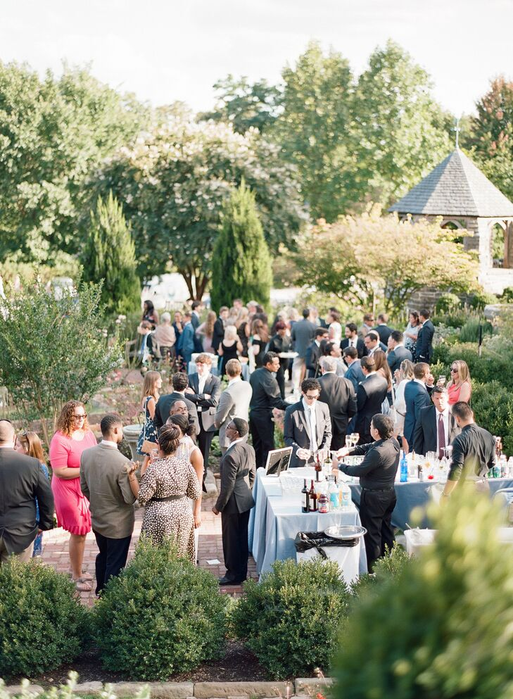Guests Mingling at Outdoor Cocktail Hour
