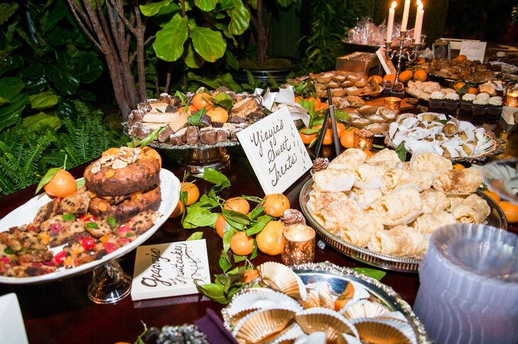 Guests enjoyed sweet treats traditionally served at Greek weddings.
