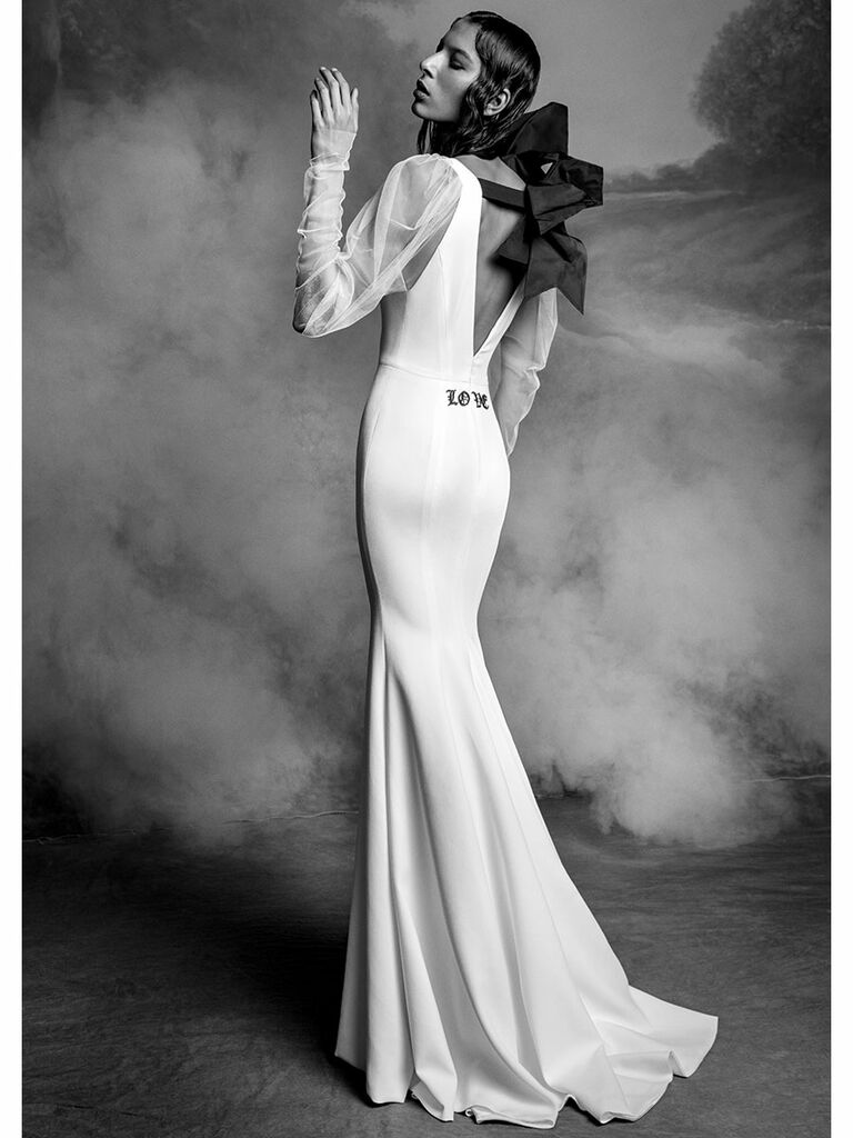 Trumpet Wedding Dress with Back Bow and Embroidery