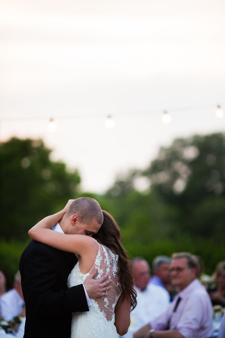 First Dance at The Vineyards at Chappel Lodge