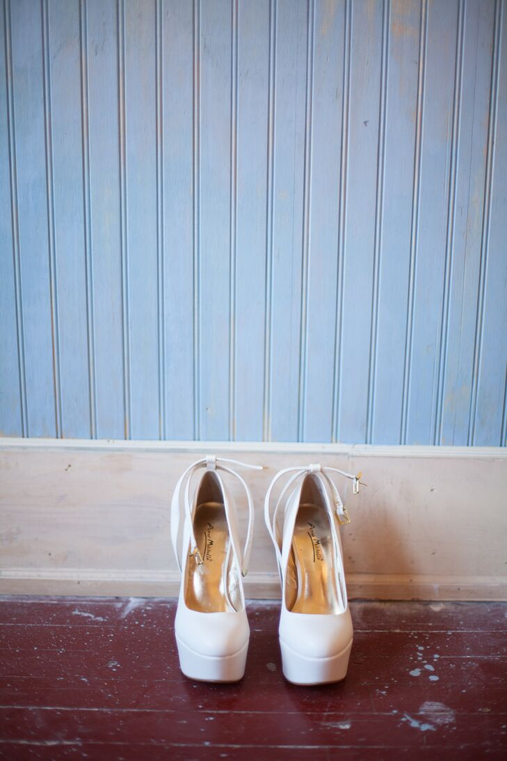 """White platform Mary Jane pumps gave Ashley just the right amount of height. """"I almost made it through the entire night in those 6-inch heels!"""" she says."""