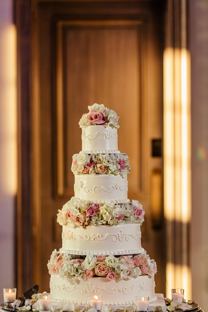 Glamorous Tiered Cake with Pink Roses