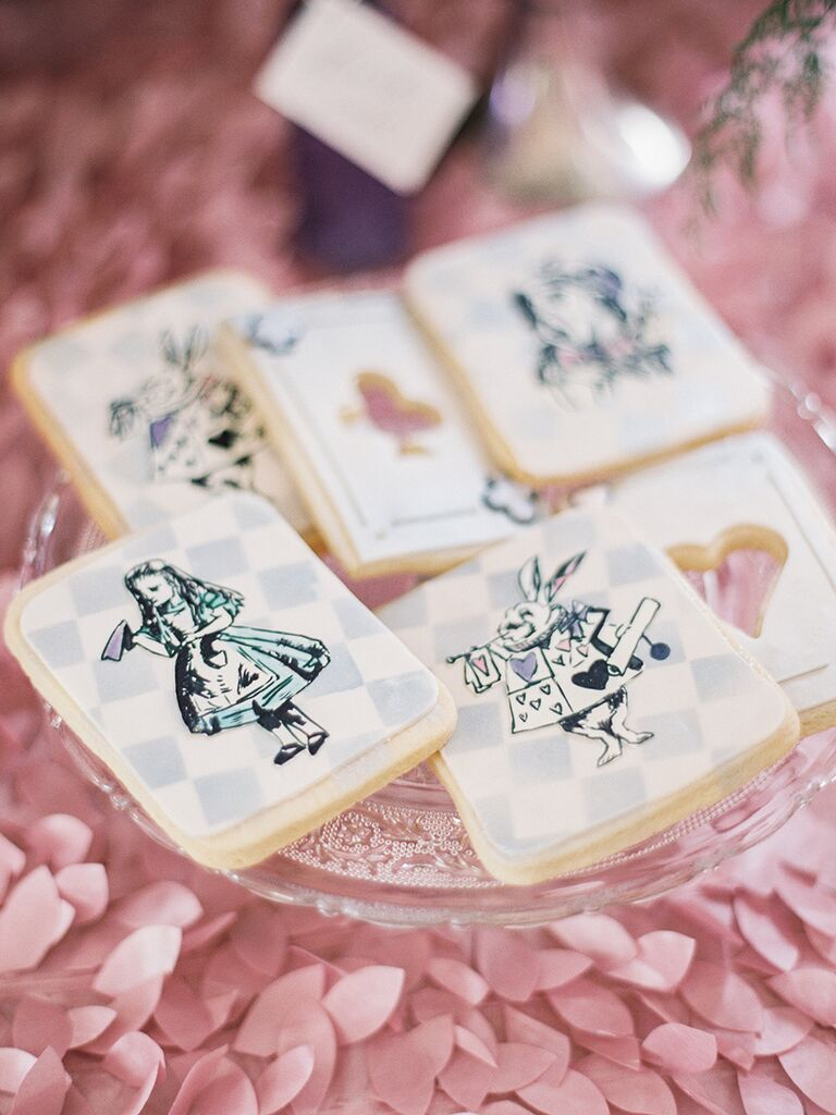 Emejing Alice In Wonderland Wedding Favors Photos - Styles & Ideas ...