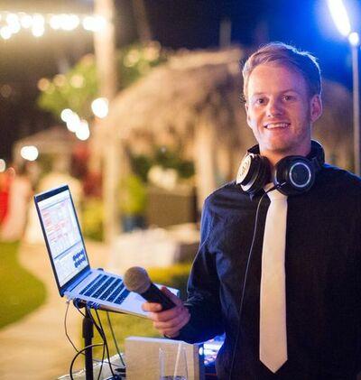 Liam Grist DJ & MC