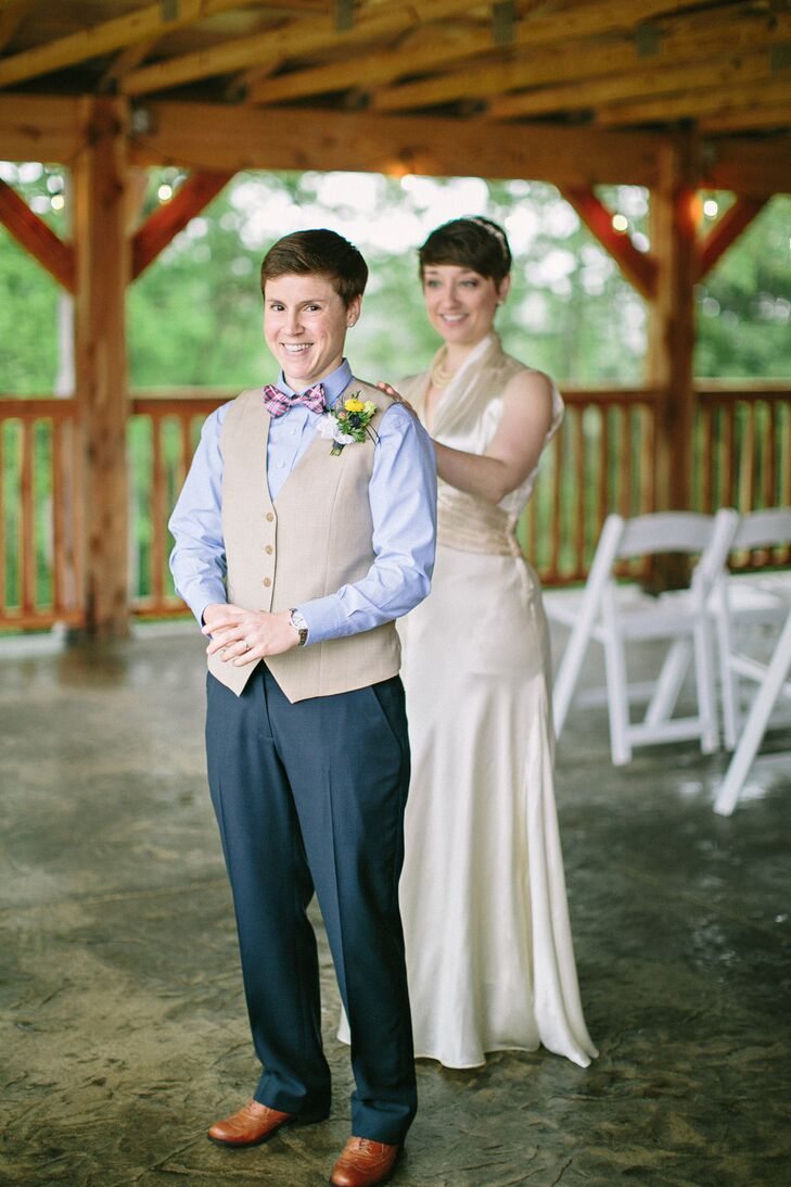 A Rustic, Country Wedding at Haue Valley in Pacific, Missouri