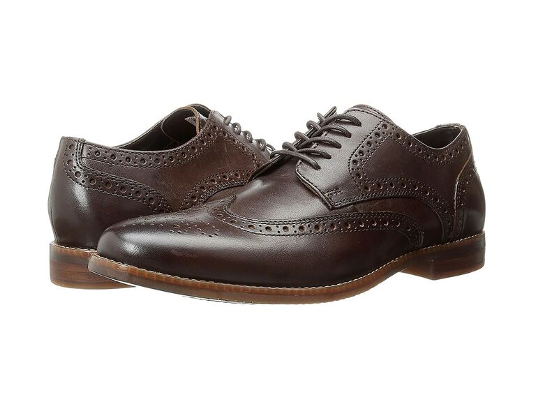 Rockport Style Purpose Wingtip navy suit brown shoes
