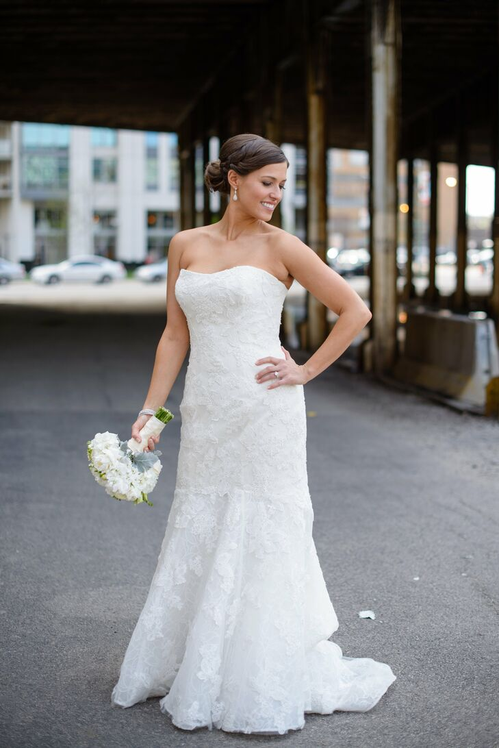 For her special day, Alison shined in an Enzoani gown, made by an Italian designer who specializes in lace designs. The strapless white lace fit-and-flare dress accentuated her body beautifully while the sweetheart neckline brought a soft romantic aura to the entire ensemble.