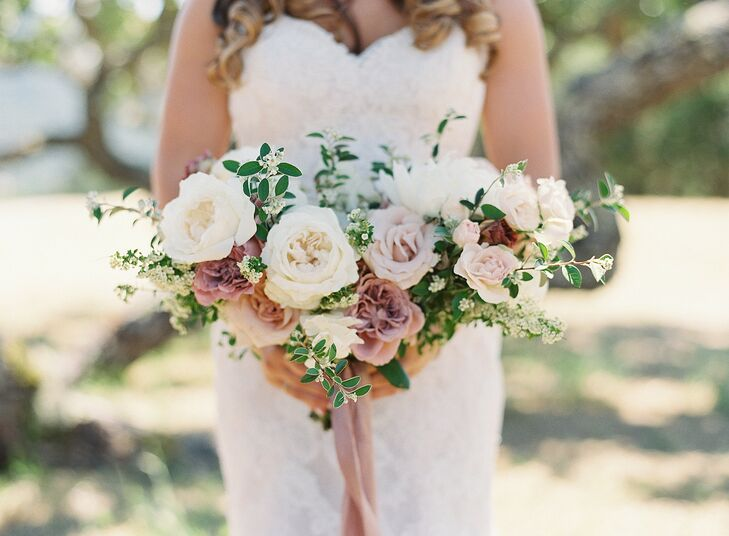 Romantic Rose Bouquet for Wedding at Holman Ranch in Carmel Valley, California