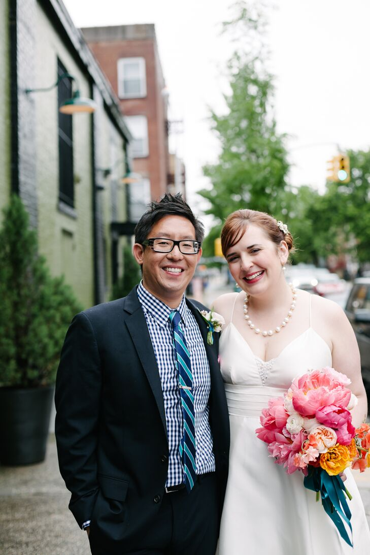 It's no surprise that the wedding of two artistic individuals, like Kimberley Latza (30, photography agent) and Paul Sirisalee (37, a commercial still