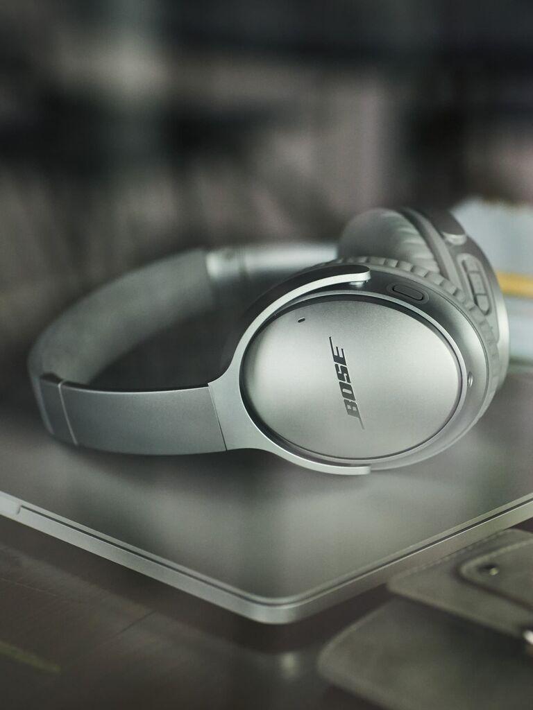 Silver anniversary gift headphones