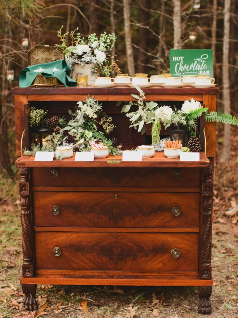 winter wedding ideas hot chocolate station