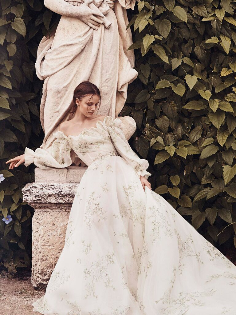 Monique Lhuillier Spring 2020 Bridal Collection with puffy off-the-shoulder sleeves