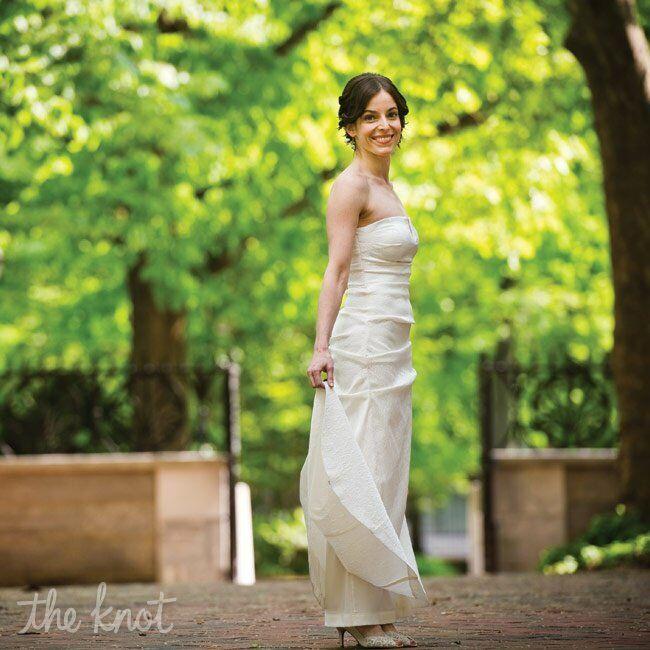 Strapless Nicole Miller Bridal Gown