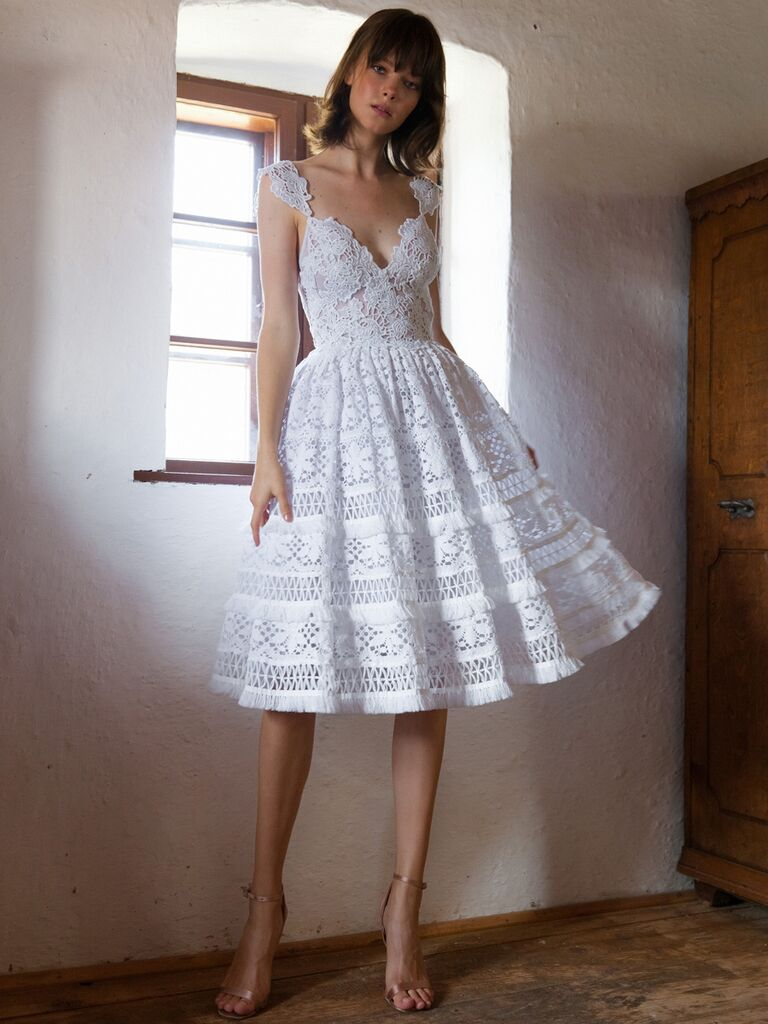 38 Vintage Wedding Dresses That Will Take You Back In Time