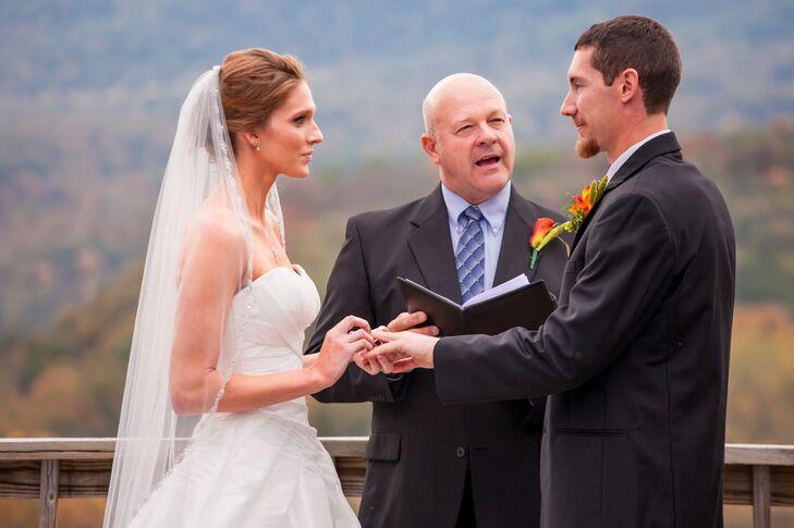 Exchanging Vows at Rustic Bentonville, Virginia Ceremony