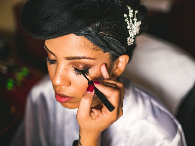 The Pros and Cons of Airbrush Makeup for Weddings
