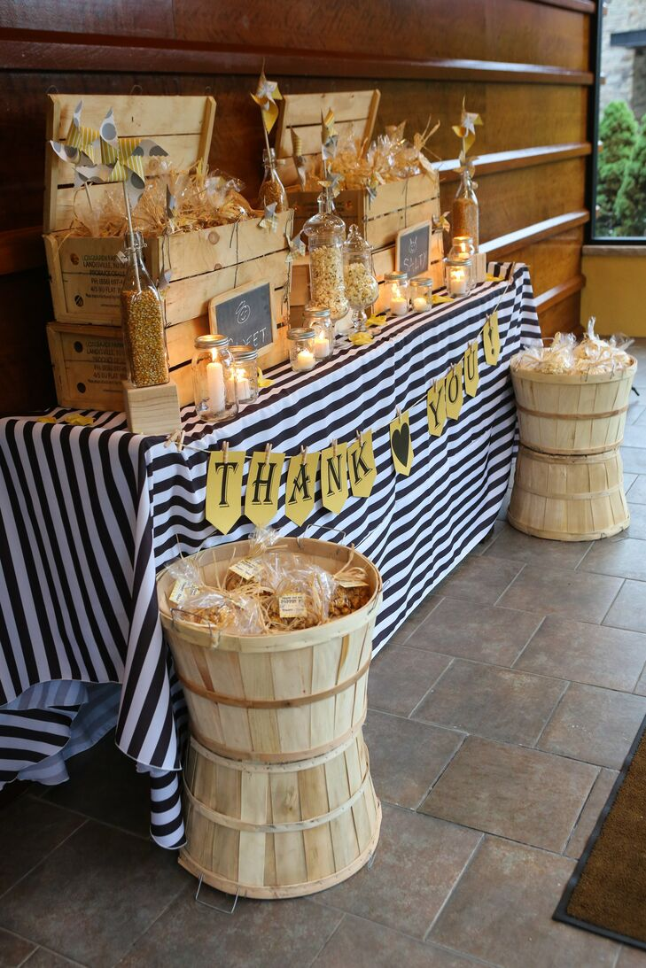 Bags of popcorn (some salty, some sweet) were the perfect take home treat for guests. Stacey loves popcorn and it fit our theme, says Tara.
