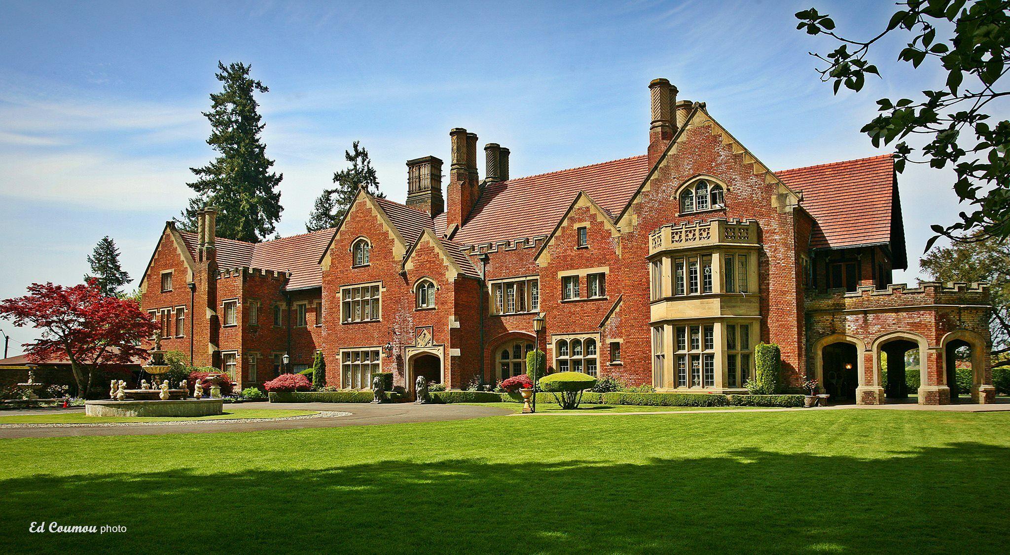 Thornewood Castle Inn Gardens