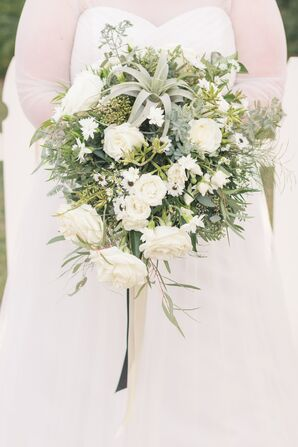 Bouquet with White Roses, Daisies and an Air Plant