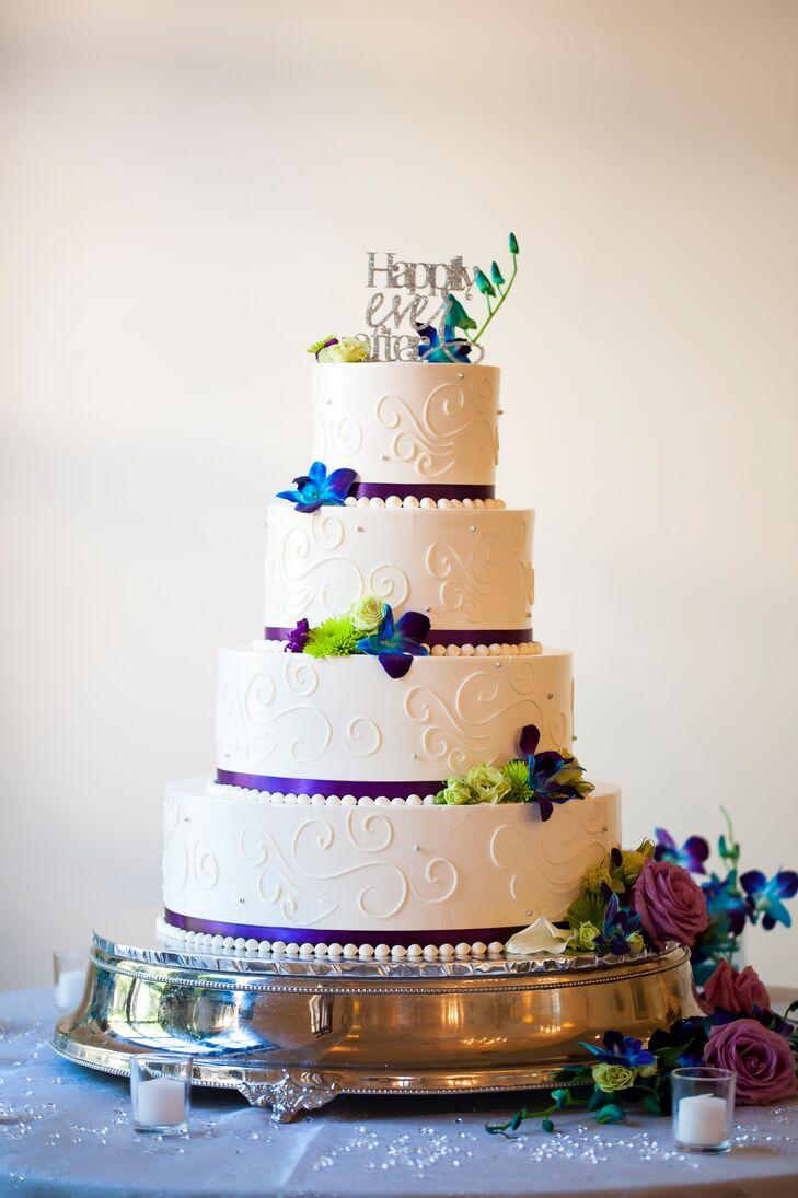 Peacock Wedding Cake.Peacock Colored Flowers On Modern Wedding Cake