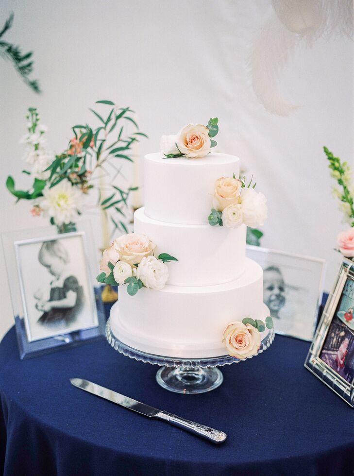 Peach-Rose-Accented Wedding Cake