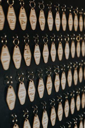 Retro Hotel Room Keychain-Themed Escort Cards