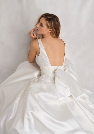 Michelle Roth for Kleinfeld Viktoria Wedding Dress