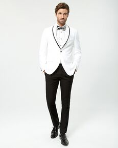 LE CHÂTEAU Wedding Boutique Tuxedos MENSWEAR_359926_003 White Tuxedo