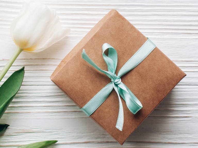 Gifts For A Second Wedding: Second Wedding Etiquette Q&A: A Must-Read For Guests