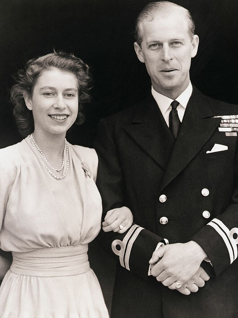 Photo of Queen Elizabeth wearing engagement ring from Prince Phillip