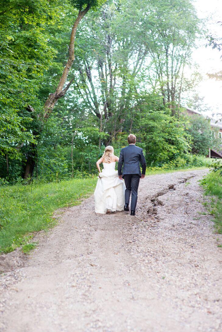 Amanda and Grant Outdoor Wedding