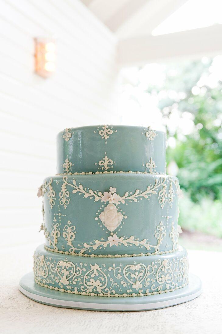 Wedgewood Style Wedding Cake