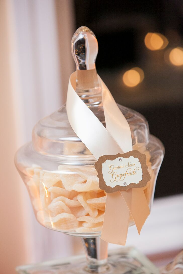 Julie and Ricky both have a sweet tooth, which inspired their candy bar favors.