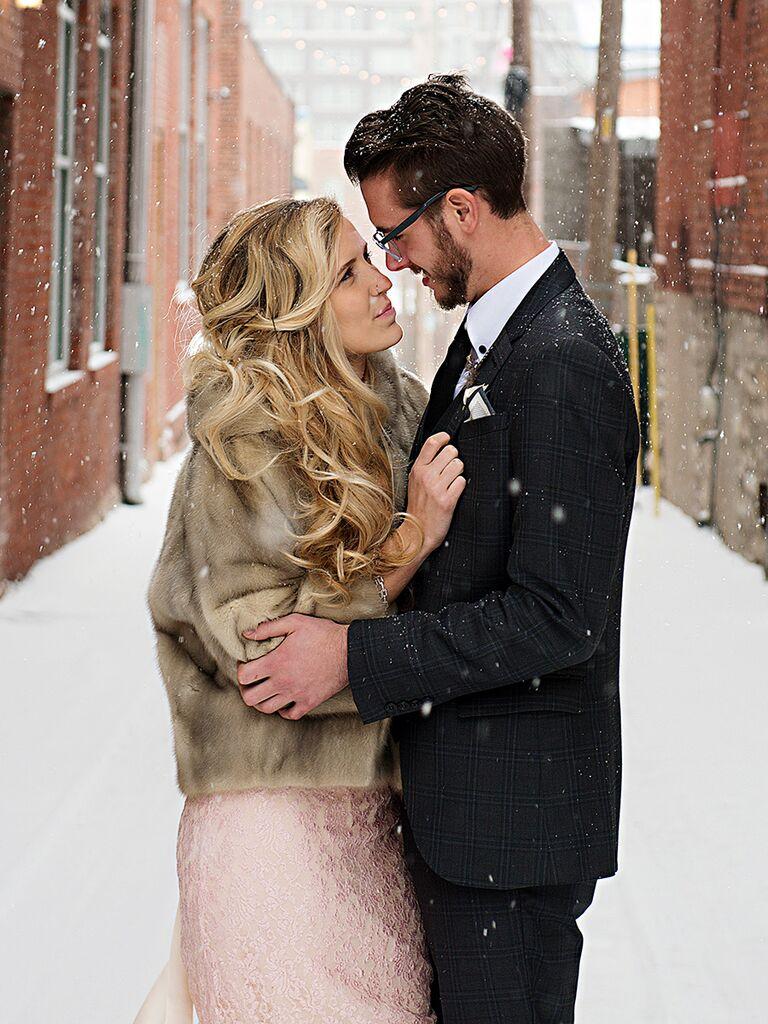 Romantic couple pose idea for wedding day photos