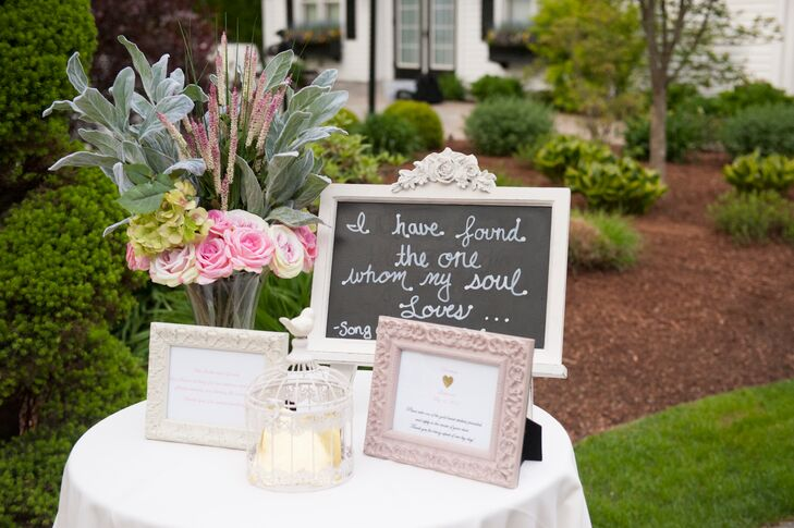 Romantic, Vintage-Inspired Welcome Table