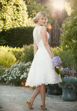 Essense of Australia D2101 A-Line Wedding Dress