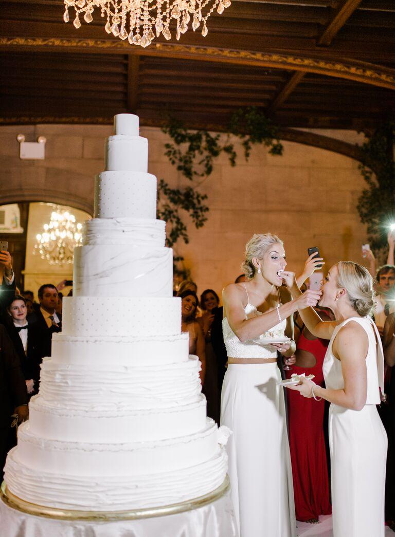 The Knot Dream Wedding 2017 wedding cake