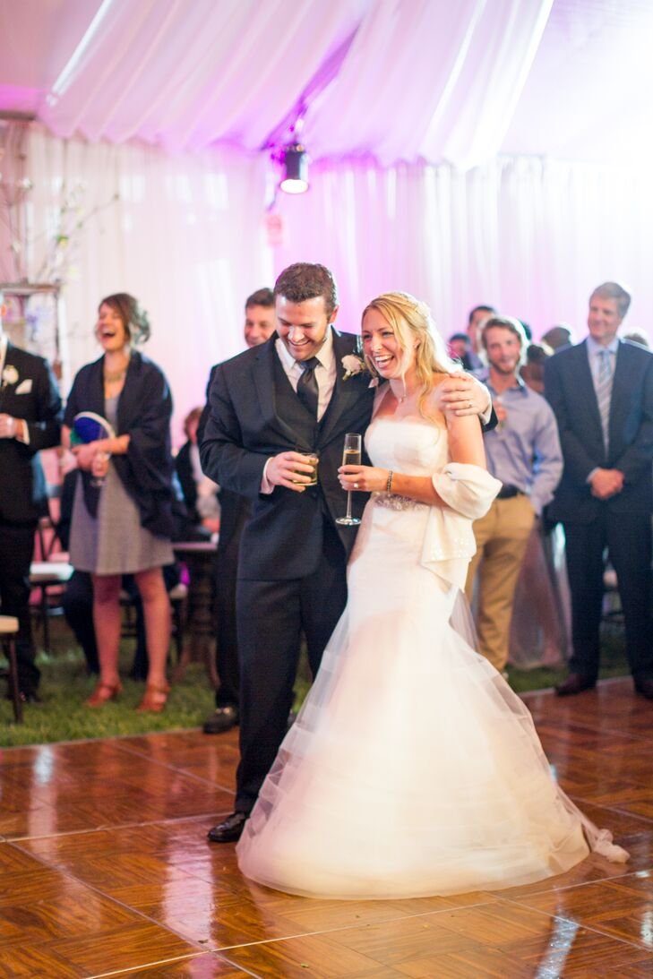 "For their first dance, Jamie-Rae and Tim danced to Shaggy's ""Luv Me, Luv Me."""