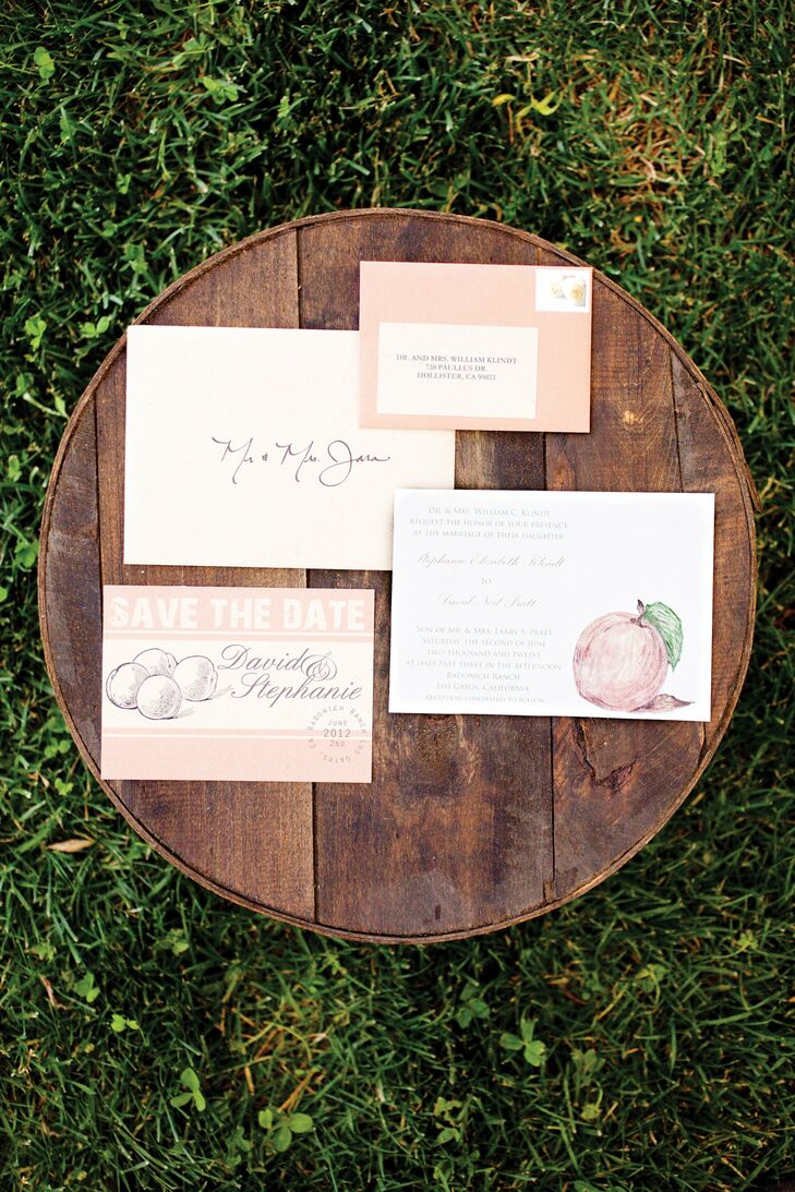 With the help of a crafty friend, the couple made their entire invitation suite themselves. Stephanie even hand-painted a peach on each invite! They tied it all together with twine to complete the rustic look.