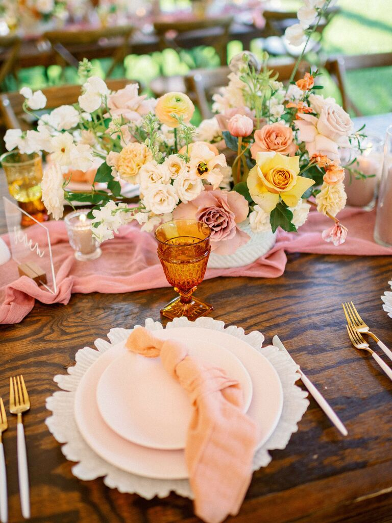 spring wedding centerpieces pastel flowers
