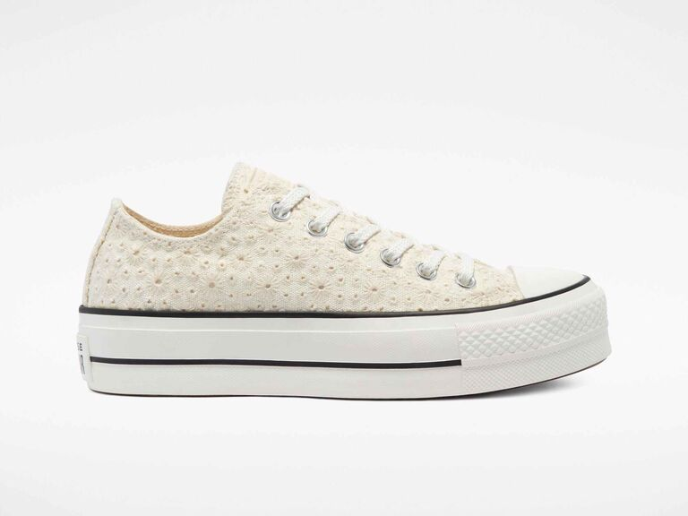 Off-white broderie low-top Converse shoe