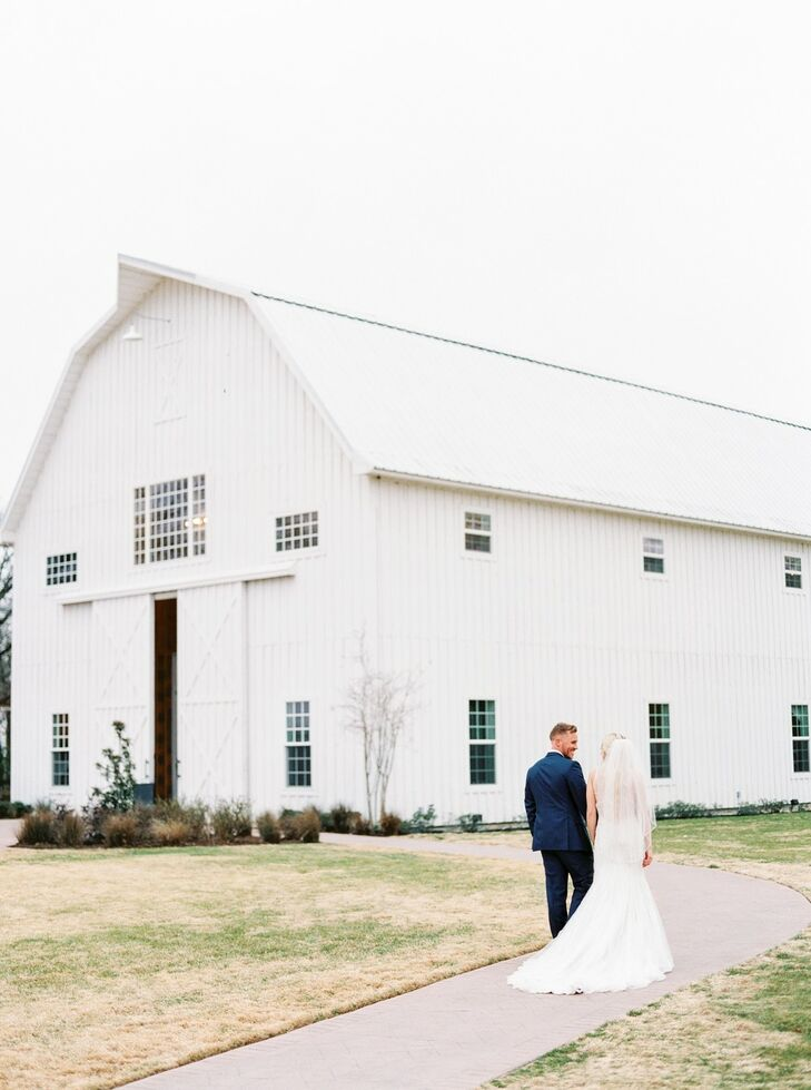 White Barn Wedding at The White Sparrow in Quinlan, Texas