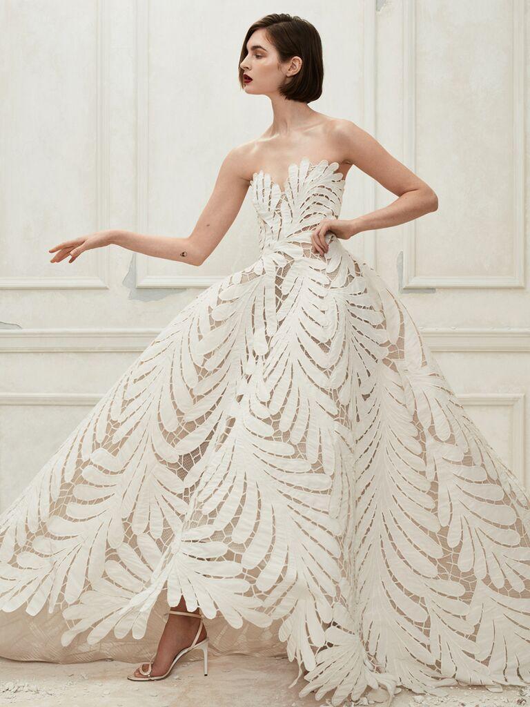 Oscar de la Renta Fall 2019 Collection: Bridal Fashion Week
